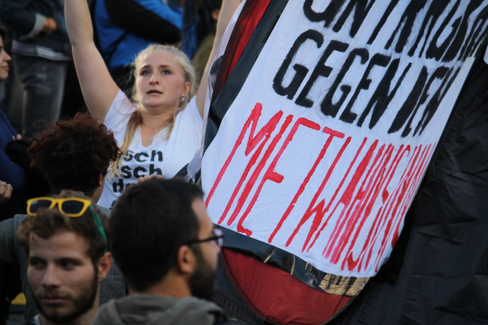 Mietenwahnsinn: Demo gegen Wohnungsnot und hohe Mieten in Frankfurt